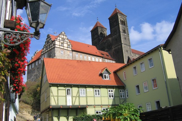 Hotel Domschatz and castle hill with Collegiate Church St. Servatius